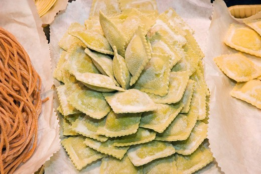 Stock Photo: 1848-470908 Ravioli pasta, Ambrogio Market, Florence, Tuscany, Italy, Europe
