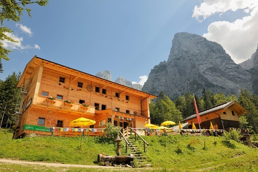 Stock Photo: 1848-472486 Hans Berger House and Mt Gamskarkoepfl, Wilder Kaiser, Tyrol, Austria, Europe