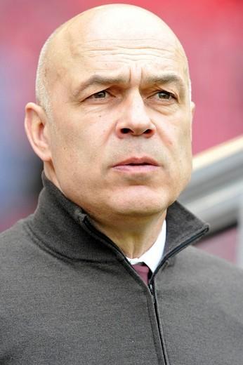 Christian Gross, coach of the German soccer club VfB Stuttgart : Stock Photo