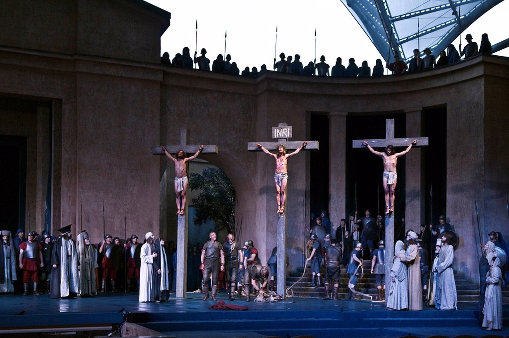 Crucifixion scene with Frederik Mayet in the role of Jesus, Oberammergau Passion Play 2010, Bavaria, Germany, Europe : Stock Photo