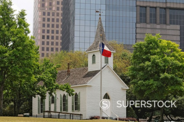 Chapel in front of high_rise buildings, Sam Houston Park, Houston, Texas, USA : Stock Photo
