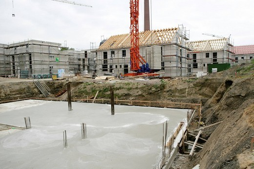 Stock Photo: 1848-47961 DEU, Germany, Essen :building of a house, construction site of private houses