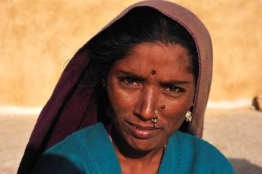 Portrait, young woman, Thar Desert, Rajasthan, India, Asia : Stock Photo