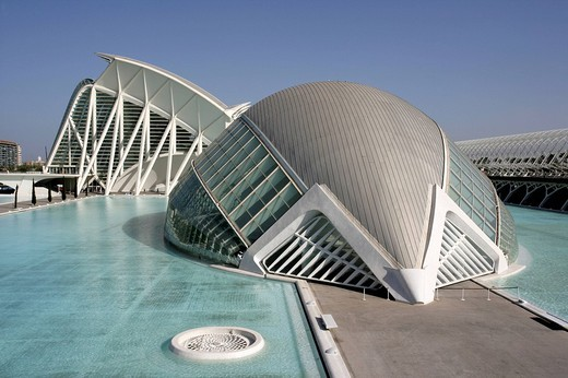 Stock Photo: 1848-48002 ESP, Spain, Valencia : Ciudad de las Artes Y de las Ciencias, City of arts and sciences. L´Hemisferic und Museo de las Ciencias Principe Filipe