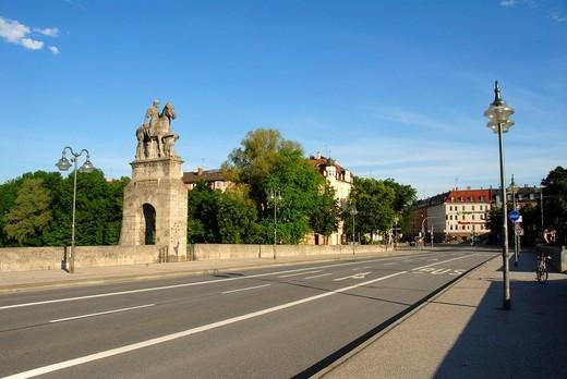 Stock Photo: 1848-480803 Equestrian statue, memorial, Duke Otto I of Wittelsbach, Wittelsbacherbruecke Bridge, Baldeplatz square, Isarvorstadt, Munich, Upper Bavaria, Germany, Europe