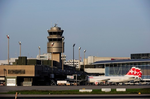 Zurich airport, aircrafts beingcleared on the finger dock of terminal A, Zurich, Switzerland, Europe : Stock Photo