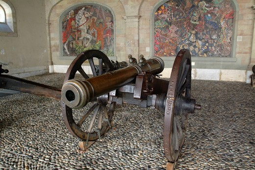 L´ancien arsenal, cannon in the arsenal, armory, of Geneva, Rue de la Cité, Grand Rue, historic city of Geneva, Switzerland, Europe : Stock Photo