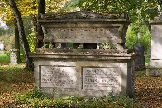 Stock Photo: 1848-48327 Grave of Joseph Pschorr, 1770_1841, beer brewer, Alter Suedfriedhof Cemetery, Munich, Bavaria, Germany