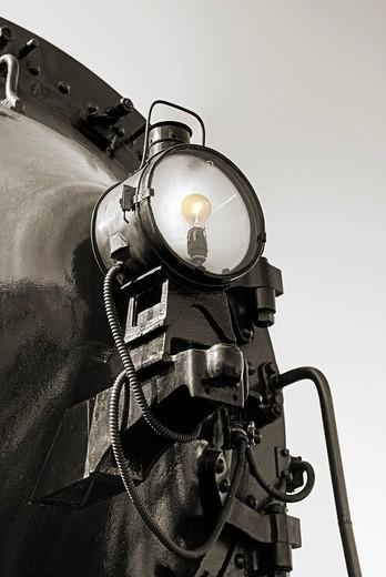 Stock Photo: 1848-483406 Lighting of a historic steam locomotive