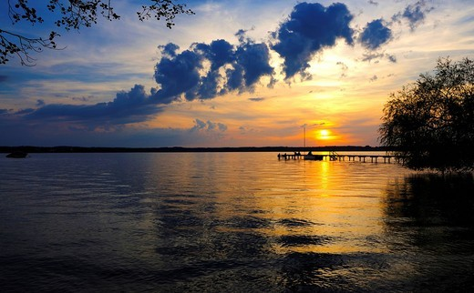 Sunset on Lake Starnberg near St. Heinrich, Upper Bavaria, Bavaria, Germany, Europe : Stock Photo