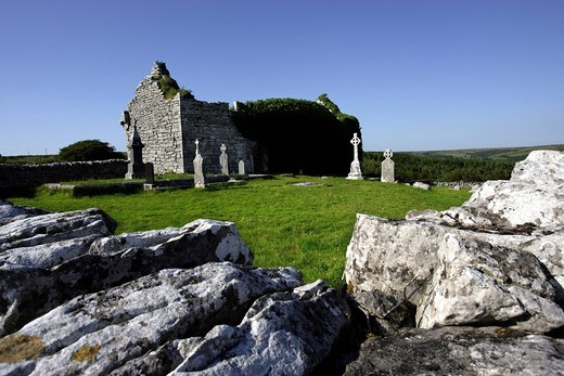 Carran church and cemetry ruins, The Burren, Republic of Ireland, Europe : Stock Photo