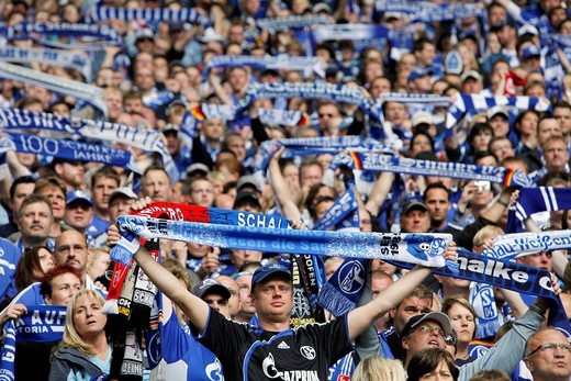 Last home match of the season of FC Schalke 04 against Werder Bremen 0:2, Veltins Arena, formerly Arena AufSchalke, home stadium of FC Schalke 04, Gelsenkirchen, North Rhine_Westphalia, Germany, Europe : Stock Photo