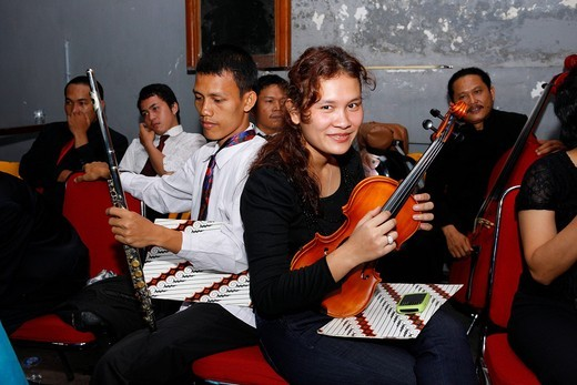 Stock Photo: 1848-486520 Students during a music competition, Dr. Nommensen University, Medan, Sumatra, Indonesia, Asia