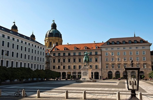Wittelsbacherplatz square, equestrian statue of Maximilian I, Elector of Bavaria, Theatine Church at the back, Munich, Bavaria, Germany, Europe : Stock Photo