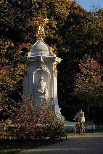 Stock Photo: 1848-488837 Beethoven_Haydn_Mozart_Denkmal oder Komponistendenkmal composers memorial in fall, Grosser Tiergarten park, Mitte district, Berlin, Germany, Europe