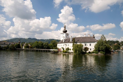 Stock Photo: 1848-489466 Schloss Orth Castle on Lake Traunsee in Gmunden, Salzkammergut Region, Upper Austria, Austria, Europe