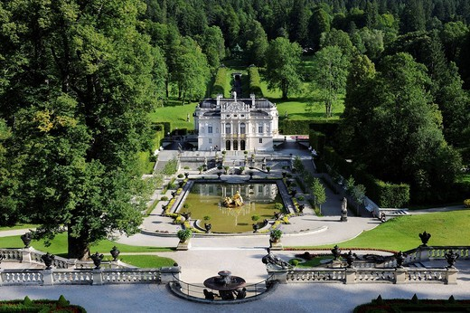 Stock Photo: 1848-490555 Linderhof Palace, castle of Bavarian King Ludwig II, Graswangtal valley, Oberammergau, Ammergau Alps, Upper Bavaria, Bavaria, Germany, Europe