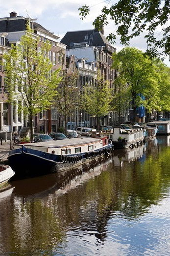 Stock Photo: 1848-491398 View of house boats and old canal houses and trading house, Prinsengracht, Amsterdam, Holland, Netherlands, Europe