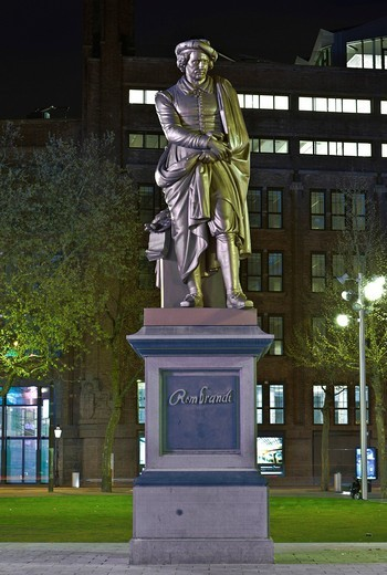 Monument to the painter Rembrandt, Rembrandtplein, Amsterdam, Holland, Netherlands, Europe : Stock Photo