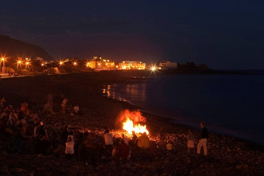 Stock Photo: 1848-492140 Torch dance in La Playa _ Valle Gran Rey _ La Gomera
