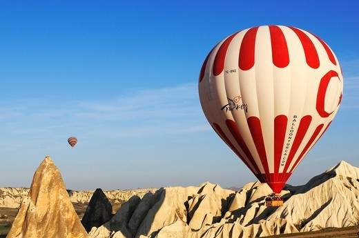 Stock Photo: 1848-492928 Balloon flight over the valley of Goereme, Cappadocia, Turkey, Western Asia