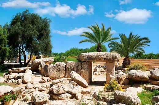 Dolmen, St. Paul´s Bay, Malta, Europe : Stock Photo