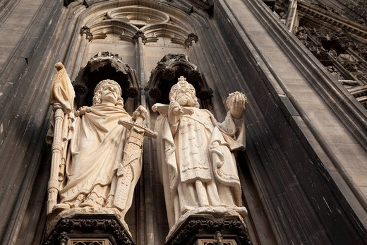 Detail, figures of saints on the facade of the Cologne Cathedral, restoration, Cologne, North Rhine_Westphalia, Germany, Europe : Stock Photo