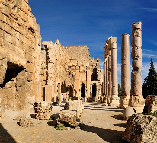 Ancient ruins at the archeological site of Baalbek, Unesco World Heritage Site, Bekaa Valley, Lebanon, Middle East, West Asia : Stock Photo