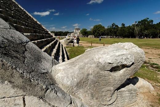 Stock Photo: 1848-49649 Kukulkan pyramid, Maya and Toltec archeological site Chichen Itza, new worldwonder, Yucatan, Mexico