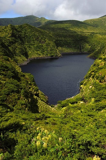 Caldeira Comprida crater lake, Lagoa Comprida on the island of Flores, Azores, Portugal : Stock Photo