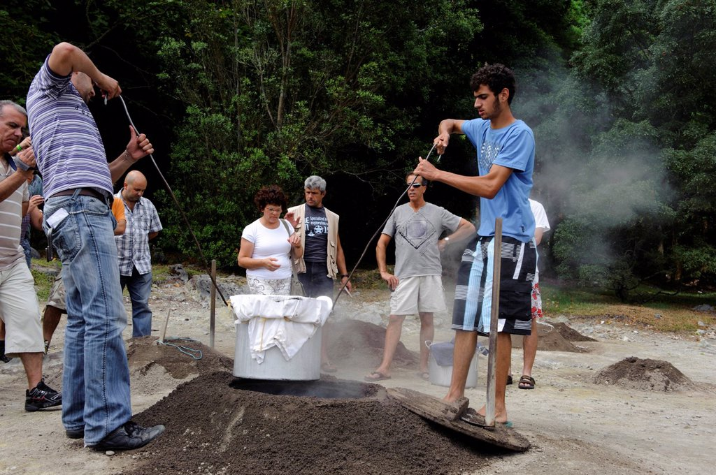 Stock Photo: 1848-497402 Cooking Cozido, stew, in volcanic soil at Lagoa das Furnas on the island of Sao Miguel, Azores, Portugal