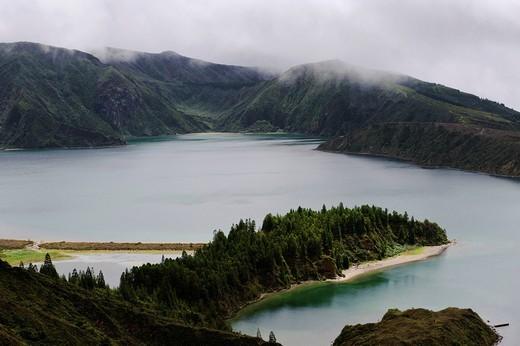 Crater lake Lagoa do Fogo, view from the Miradouro da Barrosa on the island of Sao Miguel, Azores, Portugal : Stock Photo