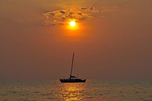 Stock Photo: 1848-501482 Catamaran, Kho Chang, Gulf of Thailand, Thailand, Southeast Asia, Asia