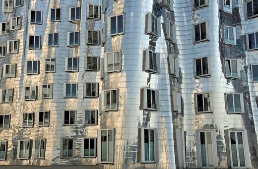 Buildings designed by Frank Gehry, Duesseldorf, North Rhine_Westphalia, Germany, Europe : Stock Photo