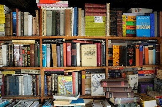 Antiquarian book shop, novels, book shelves : Stock Photo