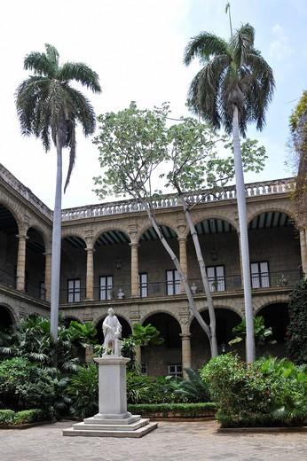 Inner courtyard of the Palacio de los Capitanes Generales Palace, Plaza de Armas square, Havana, historic district, Cuba, Caribbean, Central America : Stock Photo