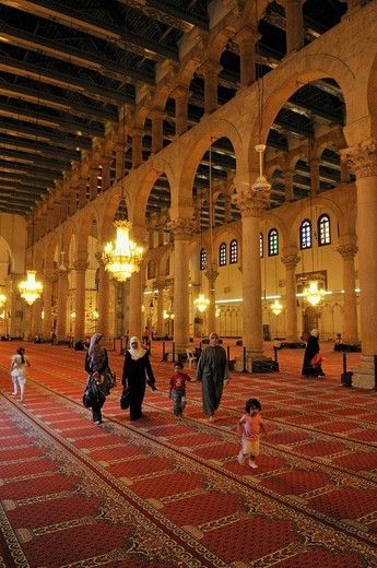 Interior of the Umayyad Mosque at Damascus, Unesco World Heritage Site, Syria, Middle East, West Asia : Stock Photo