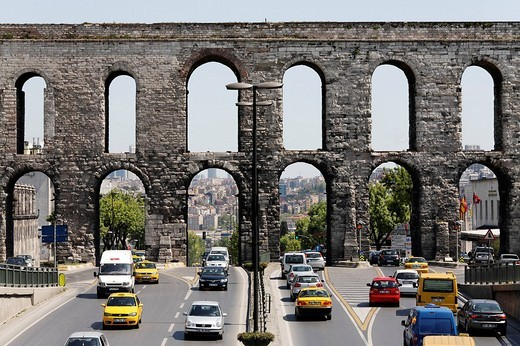 Stock Photo: 1848-53126 Valens Aqueduct, two storeyd, Byzantine arched aqueduct, Ataturk Bulvari, Istanbul, Turkey