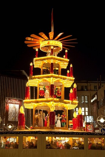Stock Photo: 1848-531591 Christmas pyramid, Christmas market, Dortmund, Ruhr area, North Rhine_Westphalia, Germany, Europe