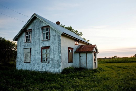 Abandoned old wooden house at dusk, Gimsefjorde, Norway, Scandinavia, Europe : Stock Photo