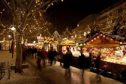 Stock Photo: 1848-532872 Christmas market, Kleppingstrasse, Dortmund, Ruhr area, North Rhine_Westphalia, Germany, Europe