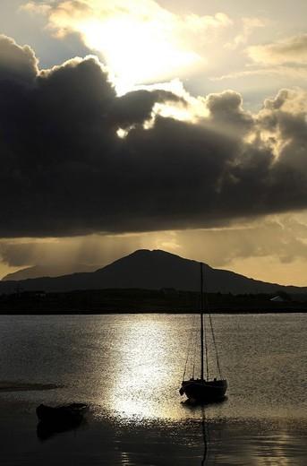 Stock Photo: 1848-533182 Connemara landscape at sunrise, Roundstone, County Galway, Republic of Ireland, Europe