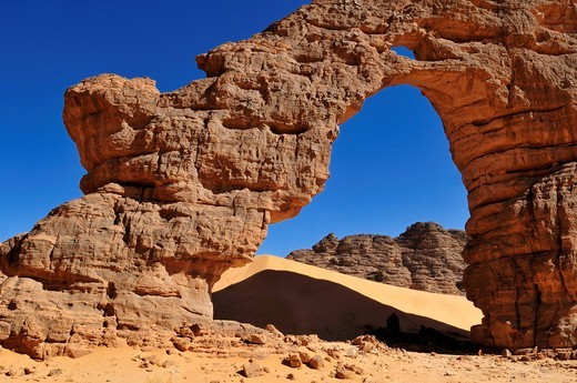 Tikobaouine Arch, natural bridge, Tassili n´ Ajjer National Park, Unesco World Heritage Site, Wilaya Illizi, Algeria, Sahara, North Africa, Africa : Stock Photo