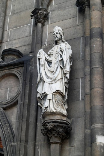 Stock Photo: 1848-533917 Statue on the church ruin of St. Nicholas in Hamburg, Germany, Europe
