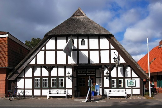 Old half_timbered thatched fish restaurant Dat ole Aalhus in Landkirchen, Fehmarn island, Baltic Sea island, Ostholstein district, Schleswig_Holstein, Germany, Europe : Stock Photo