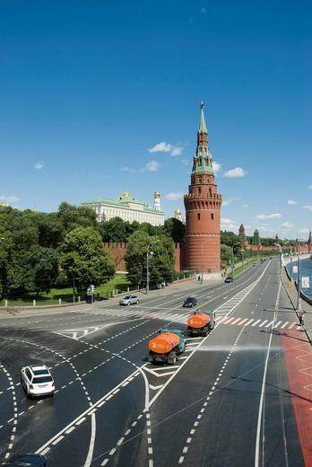 Kremliovskaya embankment and Moscow Kremlin Tower, Moscow, Russia : Stock Photo