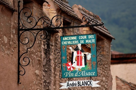 Stock Photo: 1848-534580 Pub sign, Ancienne cour des Chevaliers de Malte, Former Court of the Knights of Malta, 16th Century, 5 Rue de Philippe Aimé Golbery, Kientzheim, Alsace, France, Europe