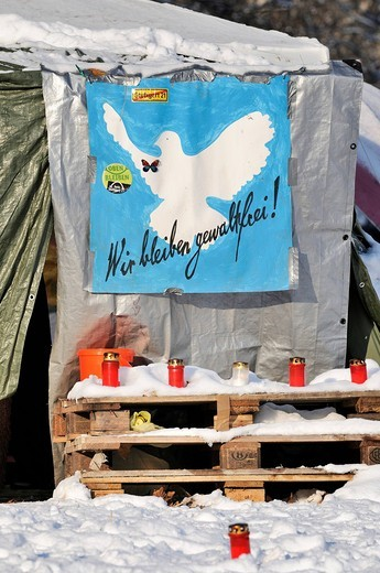 Stock Photo: 1848-537499 Protest against Stuttgart 21, a controversial urban development and transport project, protest banner with a dove of peace on a tent of the Parkschuetzer demonstrators, park guardians, Stuttgart, Baden_Wuerttemberg, Germany, Europe
