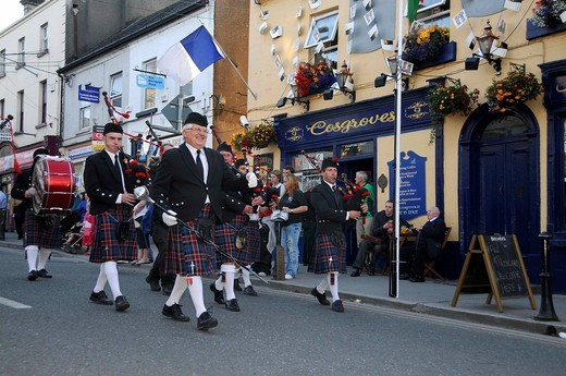 Stock Photo: 1848-537977 Bagpipe band, procession at the Fleadh Cheoil na hÉireann, Festival of Music in Ireland, Tullamore, County Offaly, Midlands, Ireland, Europe