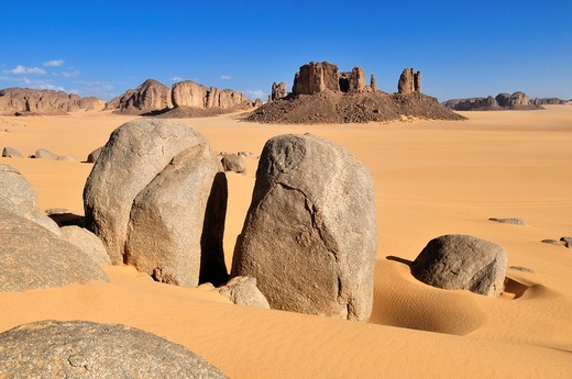 Tassili n´Ajjer National Park, Unesco World Heritage Site, Tikobaouine Region near Erg Admer, Wilaya Illizi, Algeria, Sahara, North Africa : Stock Photo